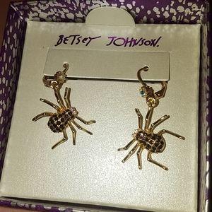 Betsey Johnson spider golden tone earrings new